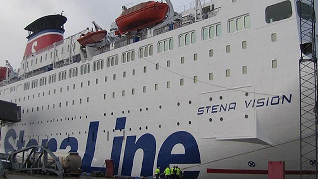 Stena Line ligger vid kaj i Karlskrona.