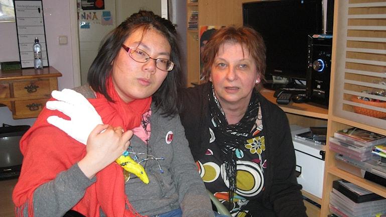 Cp-skadade Linn med mamma Anne Gelius Malmberg Karlshamn. Foto: Carina Melin/Sveriges Radio.