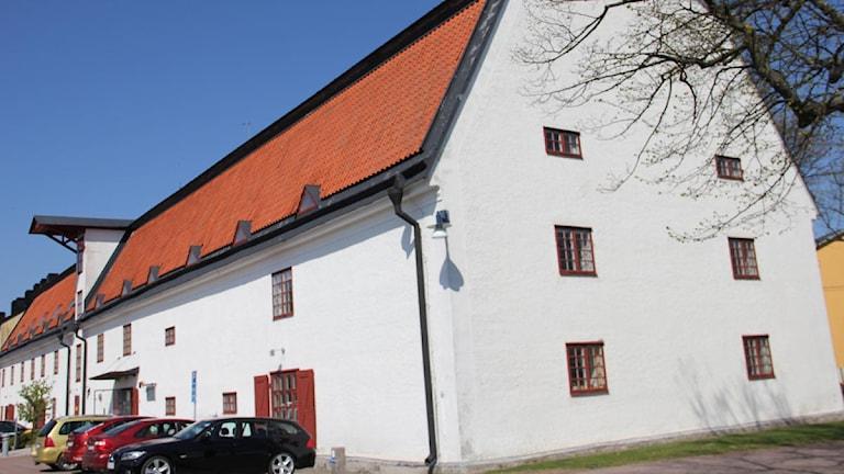 En bild på Kustbevakningens kontorsbyggnad på Stumholmen