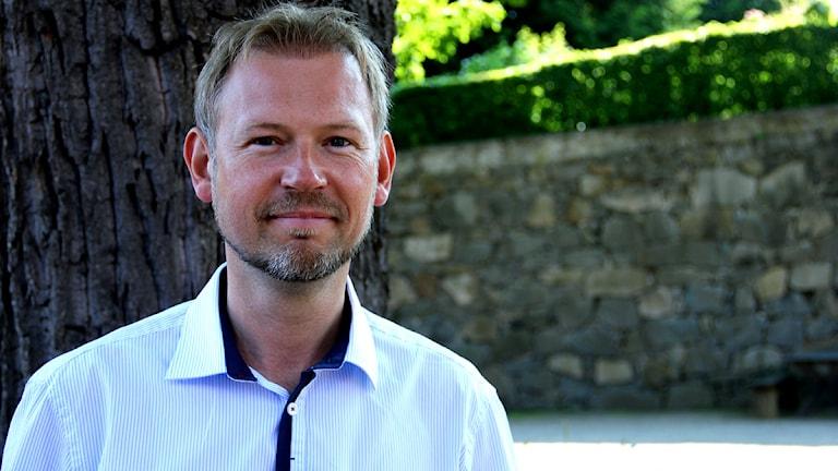 En porträttbild av Marcus Sandekjer, chef för Blekinge Museum. Foto: Stina Linde/Sveriges Radio.