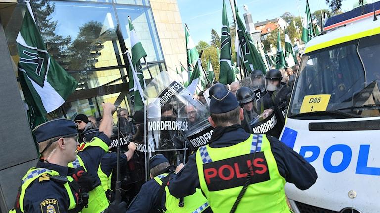 NMR demonstrerar i Göteborg.