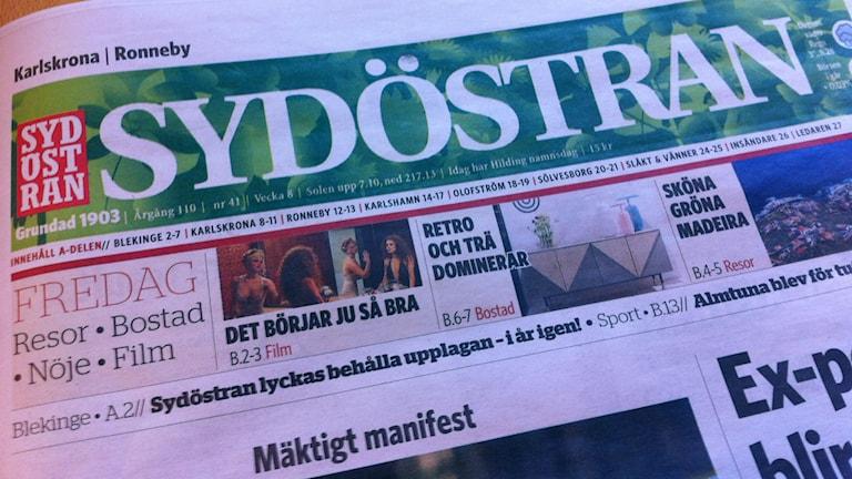 Ett exemplatr av tidningen Sydöstran. Foto: Mikael Eriksson/Sveriges Radio.