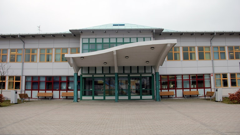 Entrén på Knut hahns gymnasieskola i ronneby.