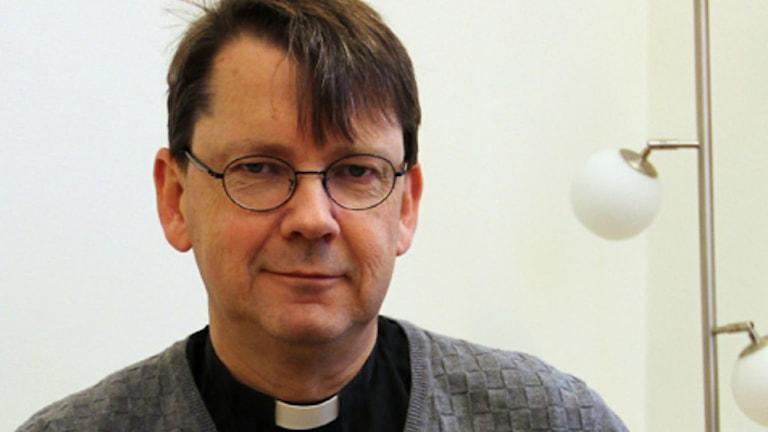 En porträttbild av Johan Tyrberg. Foto: Sveriges Radio.