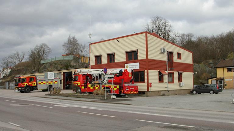 Brandbilar utanför brandstationen i Ronneby. Foto: Mikael Eriksson/Sveriges Radio