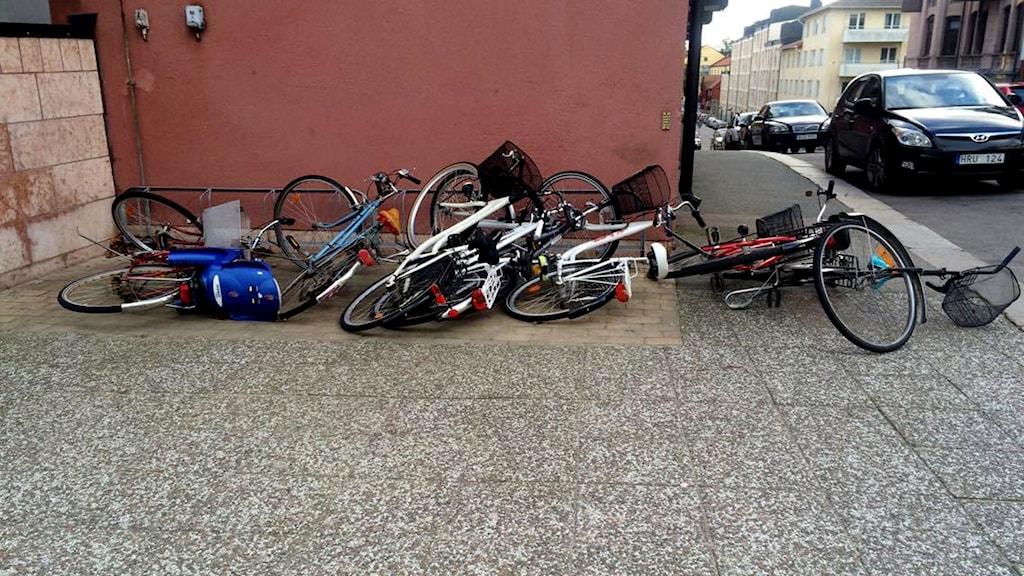 Omkull blåsta cyklar.