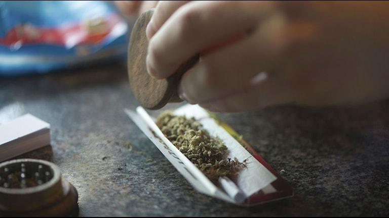 en orullad joint med cannabis