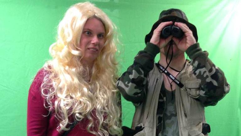 Träskomonstret Henrik Dahleke med en blondin