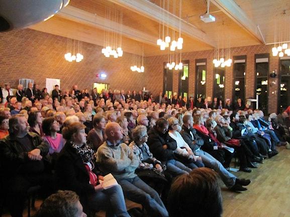Flera hundra personer samlades på mötet i Kallinge. Foto: Lena König/Sveriges radio