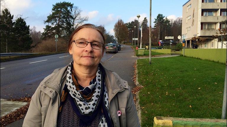 Undersköterskan Ann-Kristin Johansson är trött, sliten och ledsen på politikernas beslut. Foto:Martin Arvebro/Sveriges Radio