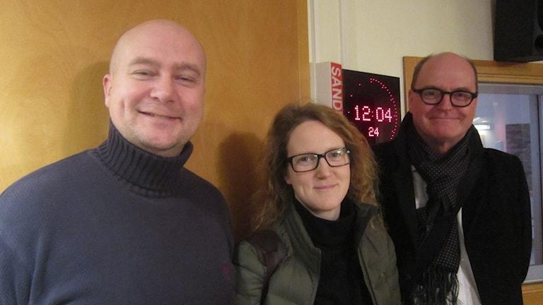 Magnus Gärdebring (M), Anna Ekström (FP) och Kalle Sandström (S) diskuterade regeringskrisen dec -14. Foto: Carina Melin/Sveriges Radio