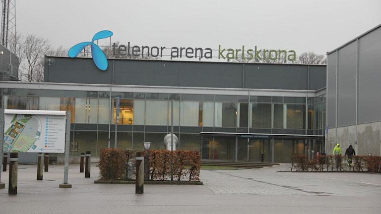 Översiktsbild av en arena som heter Telenor arena Karlskrona. Foto: Rebecka Gyllin/Sveriges Radio