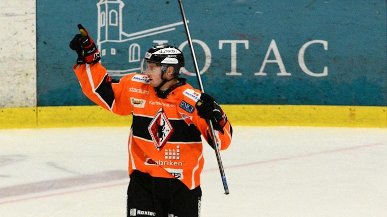 Erik Thorell firar sitt mål mot Björklöven. Foto: Oscar Anderberg
