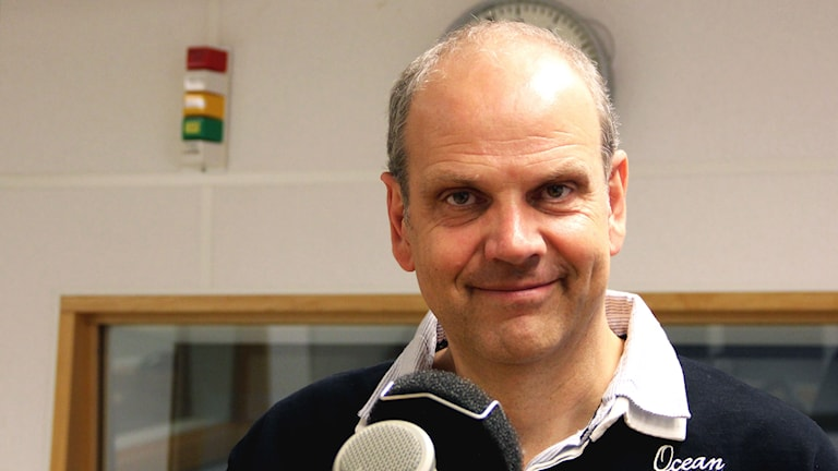 Mats Sandelius i studion. Foto: Annika Nilsson/Sveriges Radio
