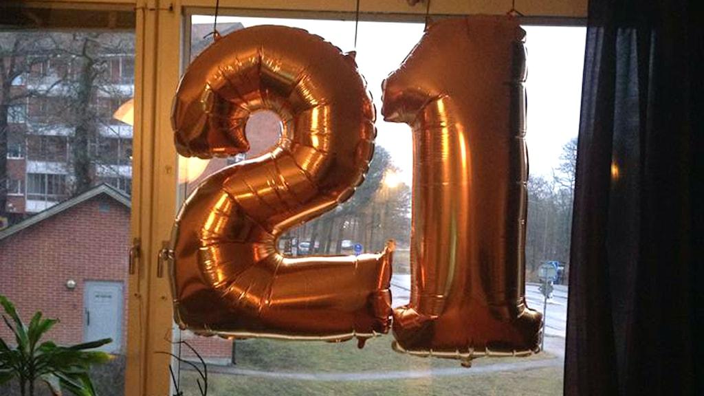 ballonger med siffrorna 21. Foto: Privat