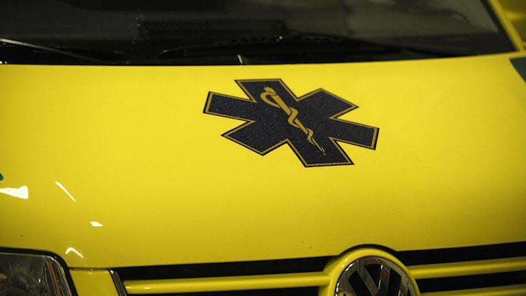 Motorhuven på en ambulans. Foto Leif R Jansson/TT