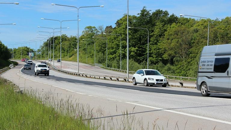 Bilar på infartsleden i Karlskrona. Foto: Mikael Eriksson/Sveriges Radio