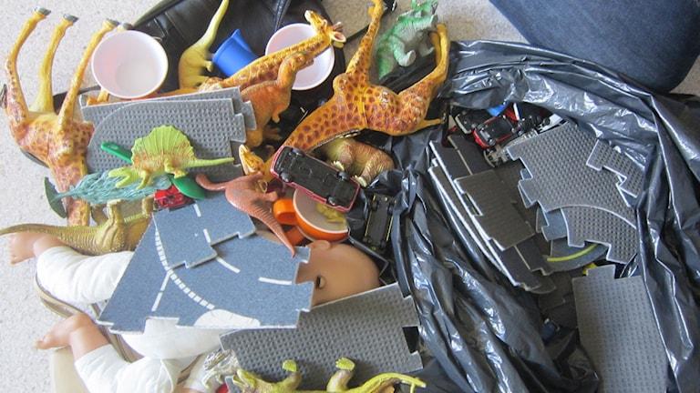 Utsorterade leksaker. Foto: Carina Melin/Sveriges Radio