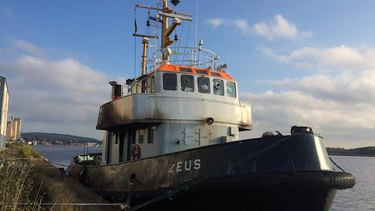 Bogserbåten som brann i Sölvesborg. Foto: Lena König/Sveriges Radio