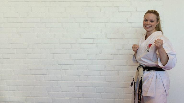 Matilda Karlsson gör sig redo för VM i Karate. Foto: Anton Emanuelsson Vretander/Sveriges Radio