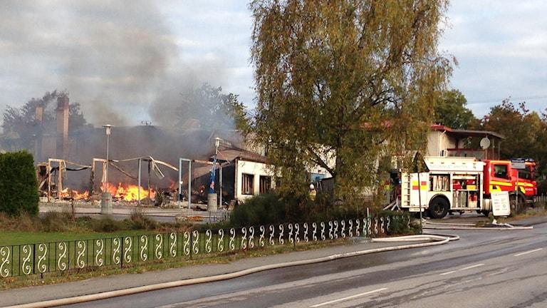 Brand på gamla Mio i Listerby. Foto: Johan Svensson/Sveriges Radio
