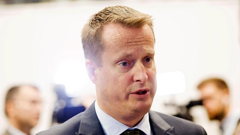 Sverige inför tillfälliga inre gränskontroller idag vid lunch berättade inrikesminister Anders Ygeman vid en presskonferens i Rosenbad på onsdagskvällen. Foto: Henrik Montgomery/TT