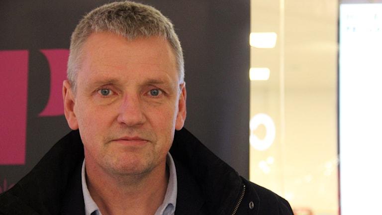 En porträttbild av Mats Svensson på Länsförsäkringar. Foto: Stina Linde/Sveriges Radio.