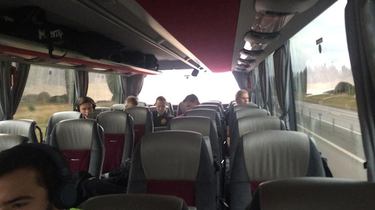 HIF Karlskrona på väg till matchen mot Ricoh. Foto: Gustaf Hallén.