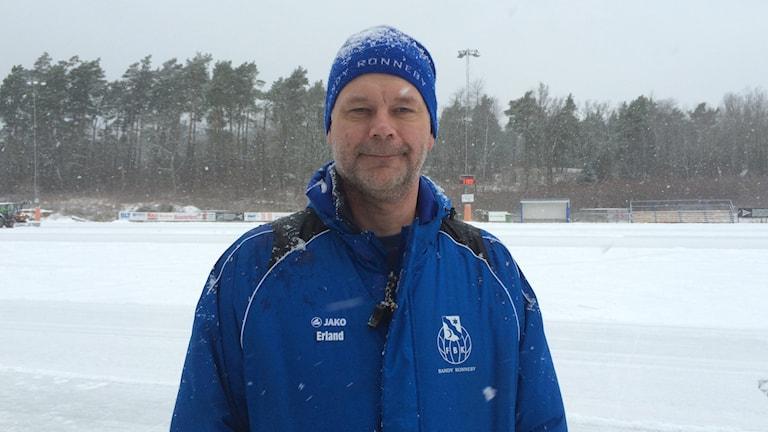 Erland Jacobsson klubbchef för Fredriksbergs BK i Ronneby. Foto: lena König/Sveriges Radio.
