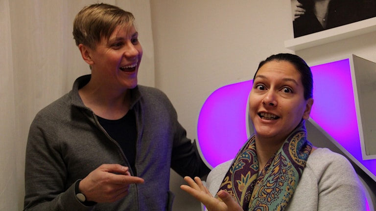 Fredagspanel med Mathias Roos och Aya al Sadoon. Foto: Stina Linde/Sveriges Radio.