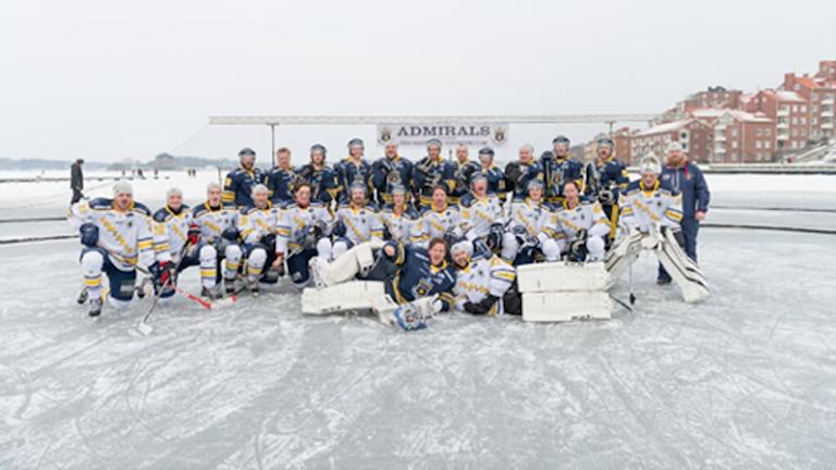 Örlogsstaden Winter classics på Borgmästarfjärden. Foto: Özgur Bal