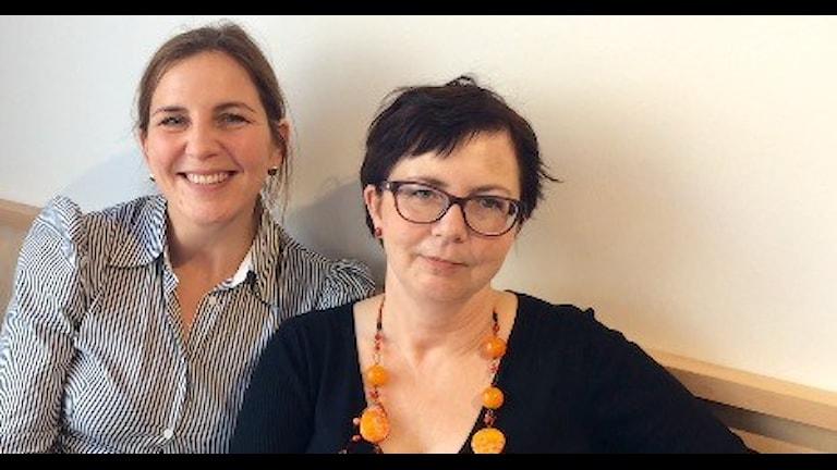 Malgorzata Andersson och Iwona Slojka  hoppas på demokratirörelsen. Foto: Monika Titor/SR