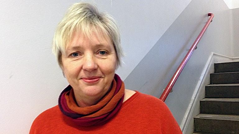 En bild på Asta Lundgren, rektor för Rosenfeldtsskolan. Foto: Helena Gustafsson/Sveriges Radio.