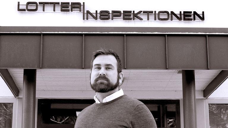 Markus Aronsson är samordnare för olagligt spel på Lotteriinspektionen