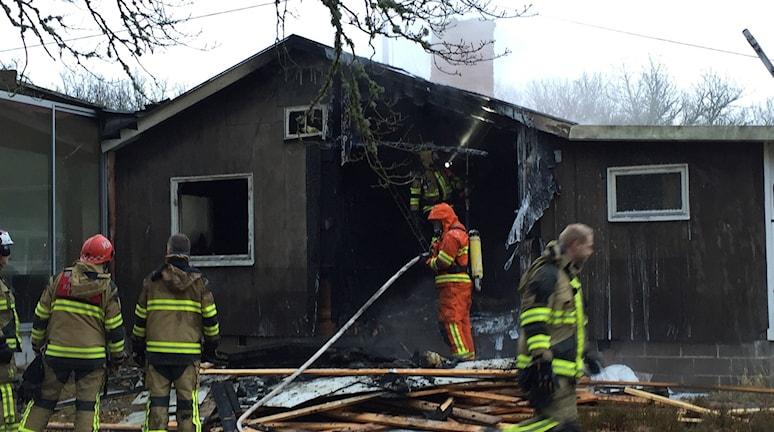 Huset blev totalförstört vid branden.
