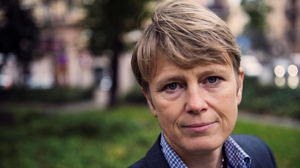 En porträttbild på  Irene Wennemo, som  är statssekreterare under arbetsmarknadsminister Ylva Johansson.