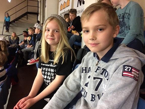 Jacob Cederström och Klara Svensson från Nättrabyskolan är spända och taggade.