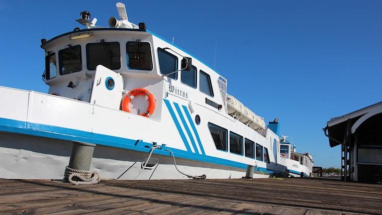 skärgårdsbåten Wittus i hamnen i Karlskrona.