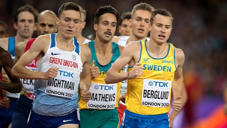 Kalle Berglund springer 1 500 meter.