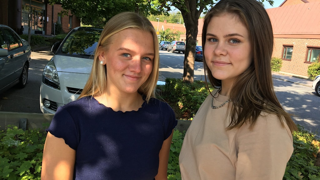 Maja Nennesson och Elwina Lagerberg som går andra året på Furulundsskolan
