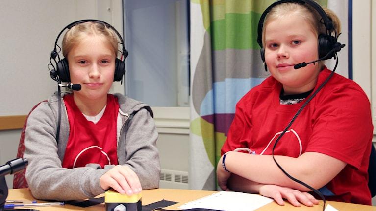 Två elever från Hjortakroksskolan som ska tävla i Vi i femman.