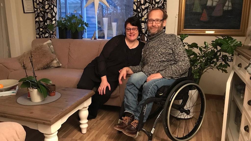Mikaela Lastre och Kristoffer Fredriksson