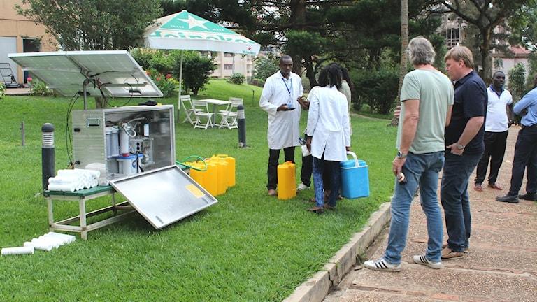 Vattenrenaren vid testat på plats i Rwanda.