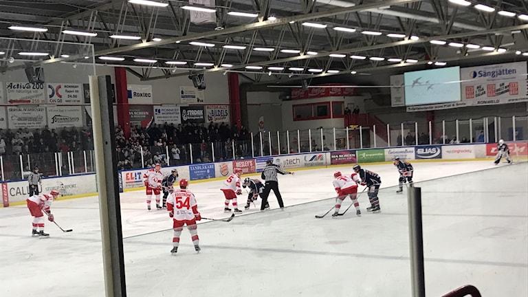 Matchbild från division ett-mötet mellan Kallinge och Troja/Ljungby.