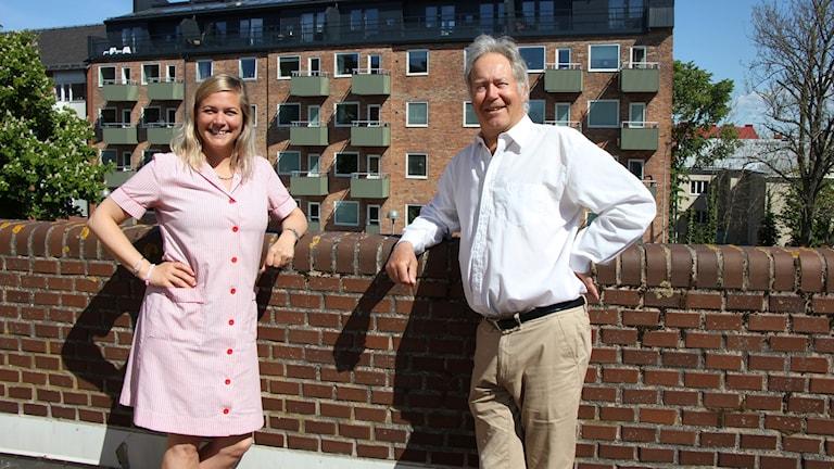 Programledare Rebecka Gyllin och meteorolog Mats Andersson, på SMHI.