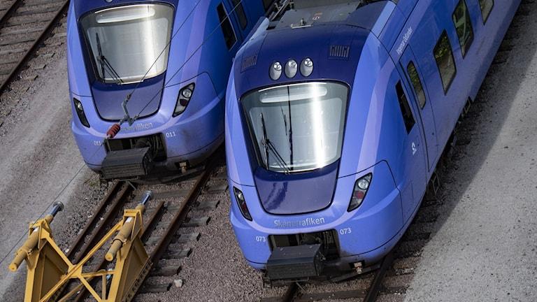 Två tåg