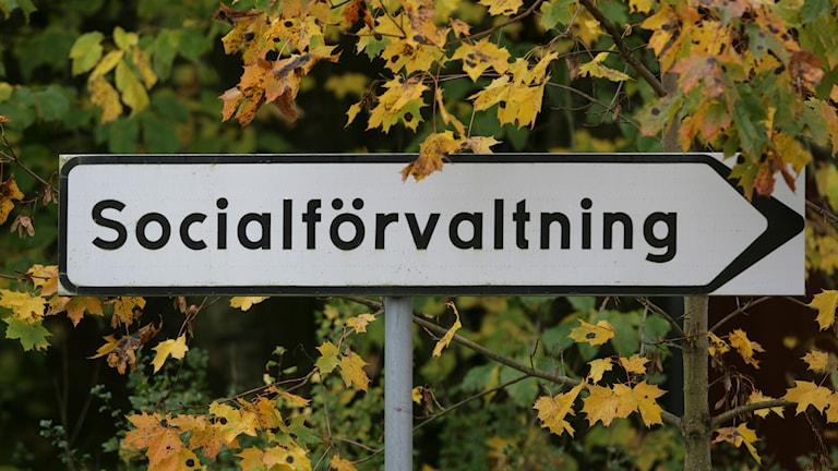 Skylt där det står socialförvaltning.