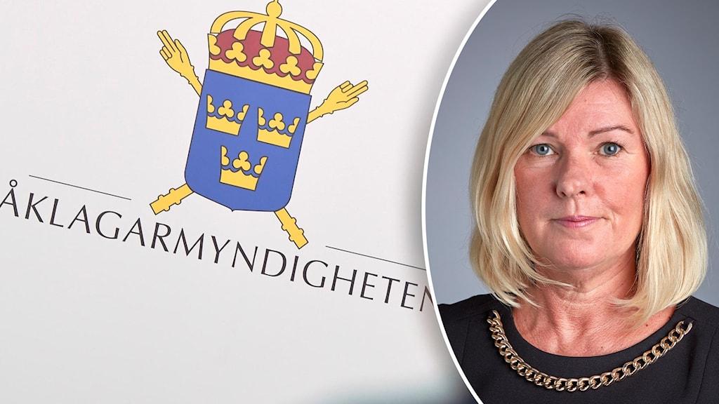 Till vänster åklagarmyndighetens logga, ett vapen med tre kronor. Till höger en kvinna i page, svart tröja och guldlänk längs halsen.