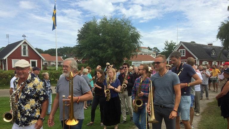 Paraden på tradjazz i Hällevik.