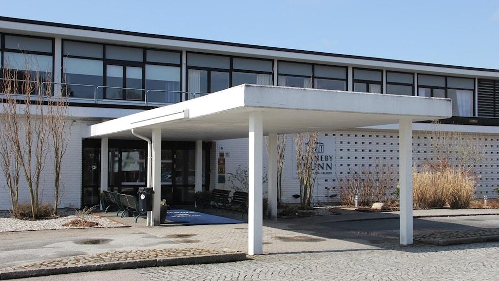 Entrén till hotellet Ronneby Brunn.